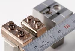小型電子部品用の写真1